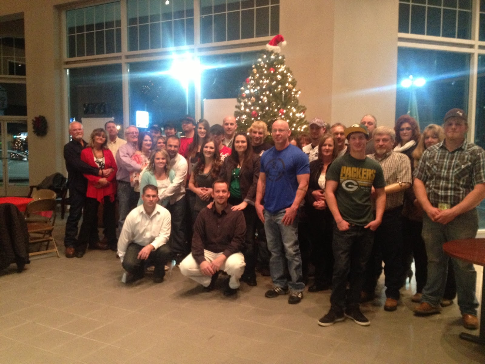 Labrum Ford/Chevrolet: Labrum Chevrolet/Buick/Ford store Christmas