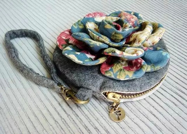 How to make tutorial vintage flower cosmetic bag purse fabric sewing quilt patchwork applique.