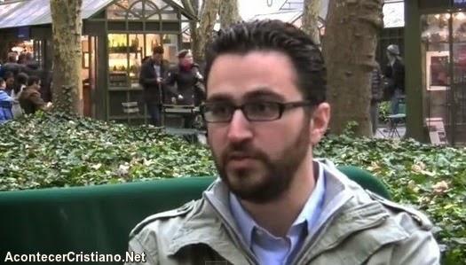 Ex- ateo Guillaume Bignon se convierte en cristiano