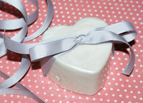 Homemade Heart Shaped Solid Lotion Bars DIY - DIY Handmade Wedding Favors and Valentine's Day Gift Idea