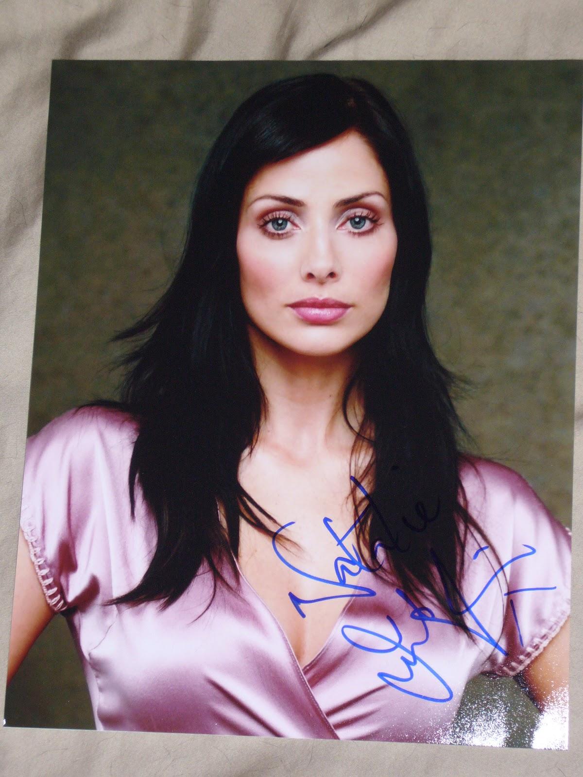 http://1.bp.blogspot.com/-EJg0a03Ws60/T_NCd9KyVEI/AAAAAAAAAZE/xXJ7BAAZCFQ/s1600/Natalie+Imbruglia+signed+8x10.JPG