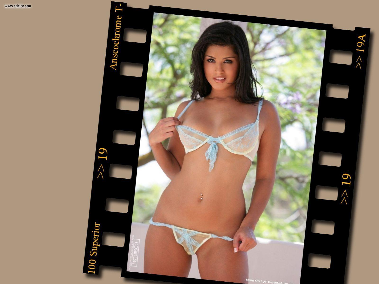 http://1.bp.blogspot.com/-EJiK5zG1DAI/T5J35QGL5hI/AAAAAAAAAf0/ar9TWDISx7I/s1600/sunny_leone_20061211_0001.jpg