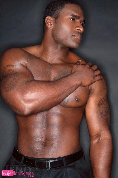 hombres negros desnudos - Videos XXX de maduras en