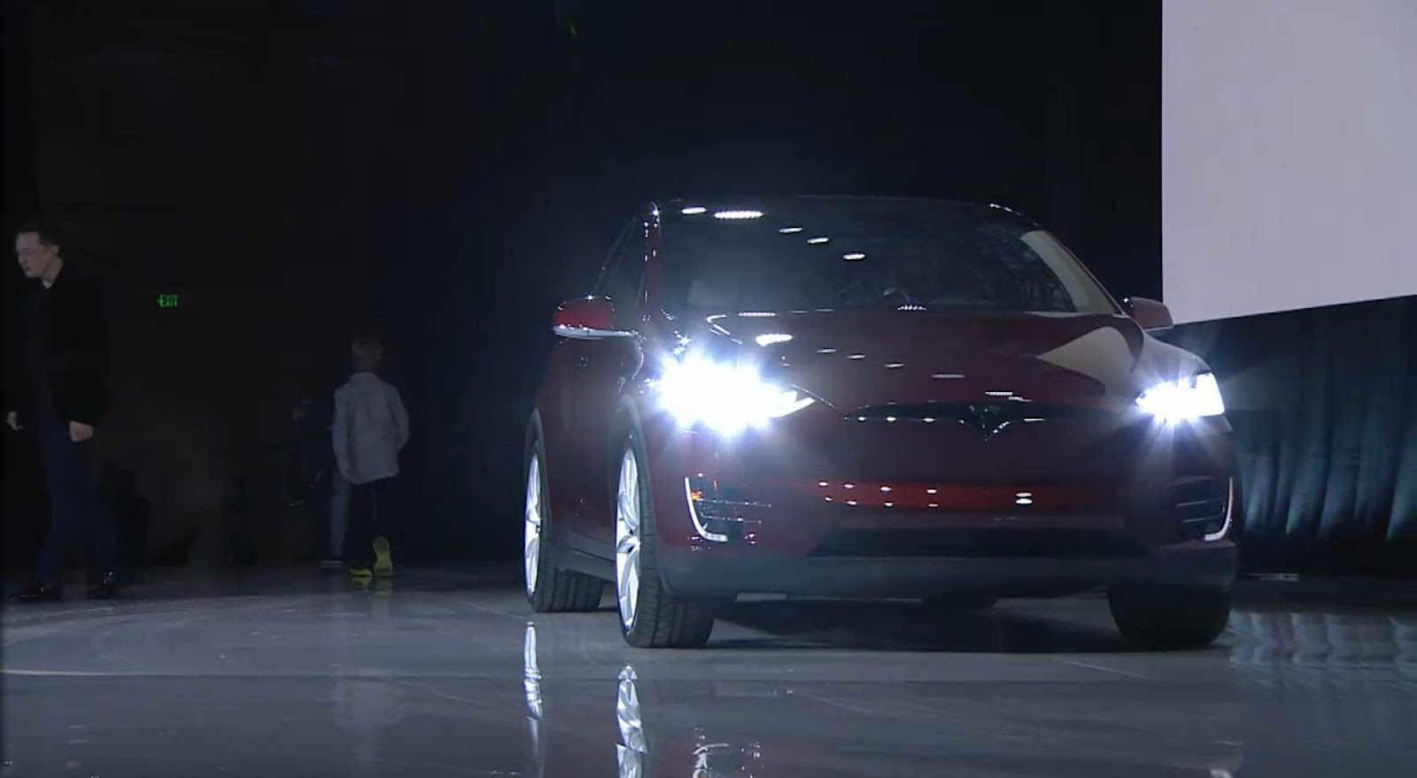 New Tesla Model X Can Fit 7, Tow A Trailer And Reach 60MPH As Fast As 3.2 Sec [Pics & Video ...