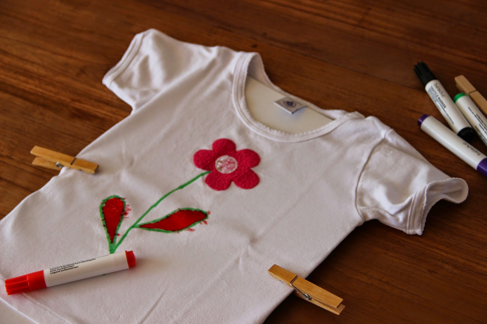 Zeitschriftenwurm Diy Mit Kindern T Shirts Bemalen