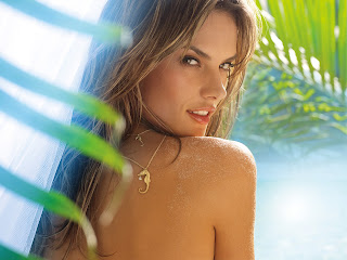 Alessandra Ambrosio hot Wallpapers