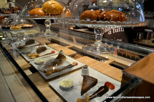 desserts at CioccolatItaliani in Dubai Festival City