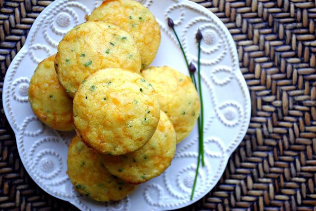 Cheddar Chive Corn Muffins l SimplyScratch.com