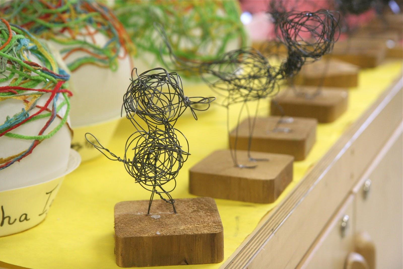Splish splash splatter wire bird sculptures for Wire art projects