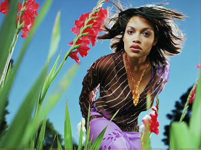 Rosario Dawson in garden