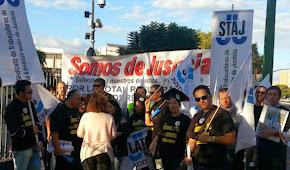 Concentración STAJ ante el Parlamento Andaluz 13-11-13