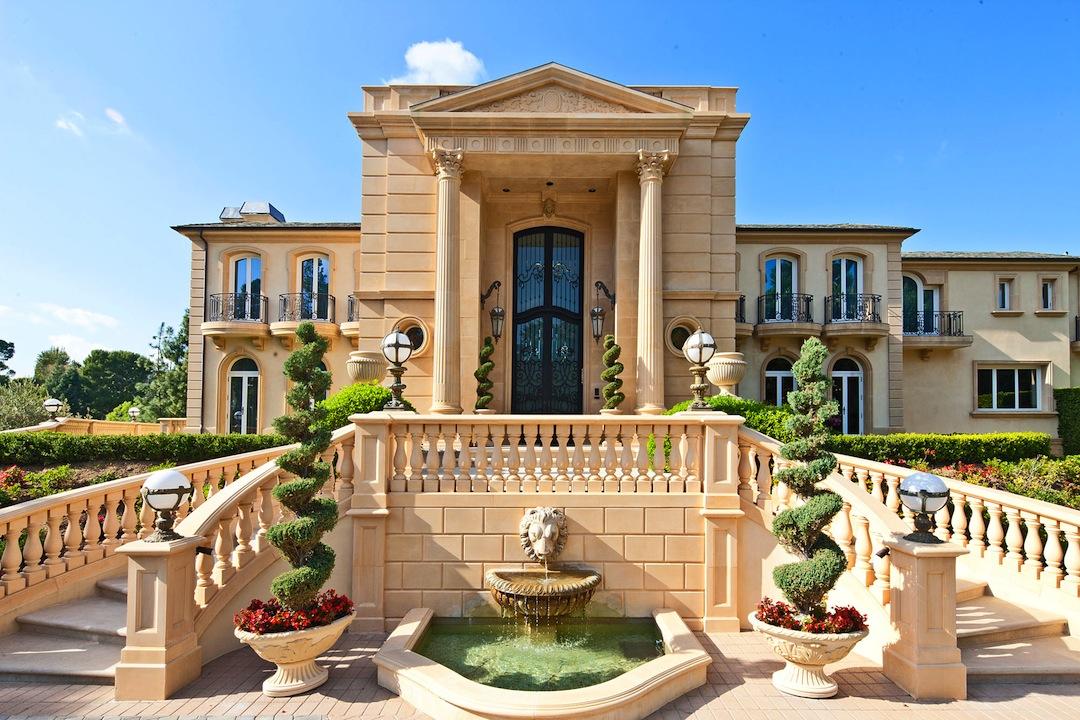 Eileen 39 s home design lavish beverly hills estate for Laurel home