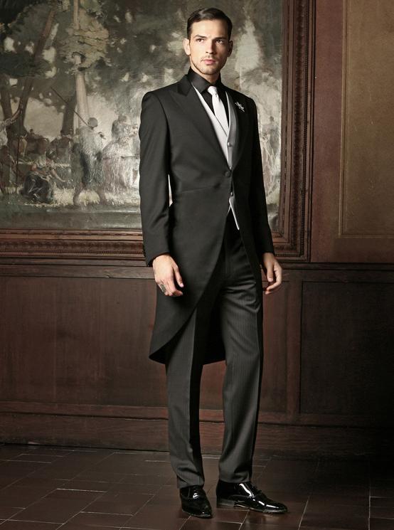 Cravatta da mettere con abito nero
