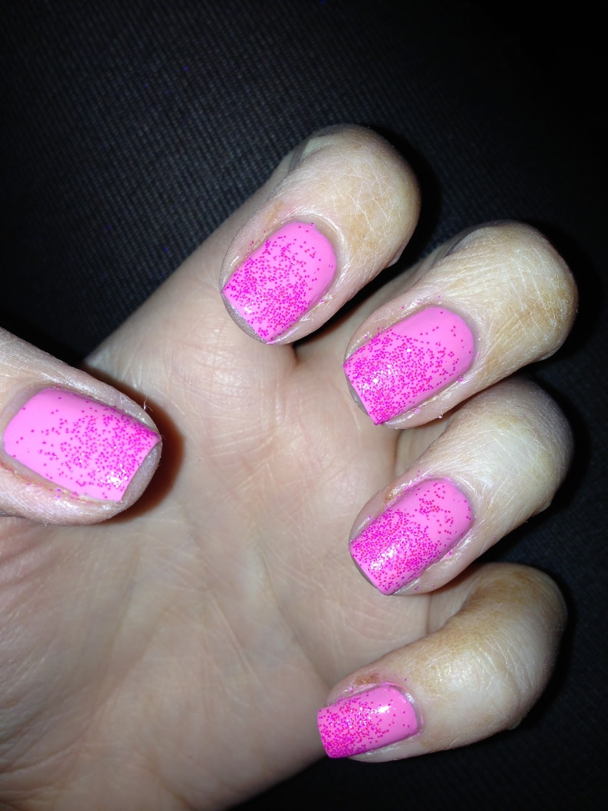 NailsByNumbers: Barbie Nails! Loose Glitter Pink Gradient NOTD