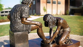 Peter Washing Jesus' feet statue at Dallas Theological Seminary