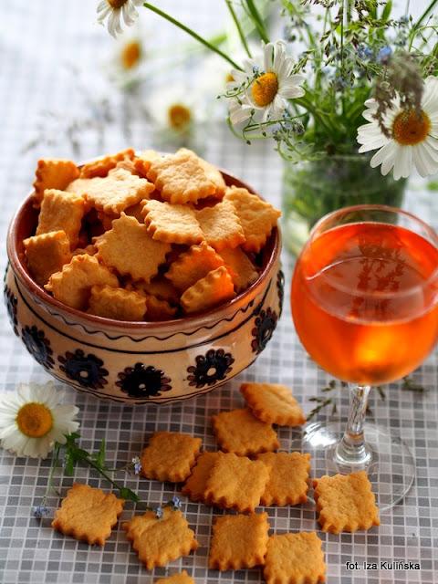 ciastka , krakersy , z serem , przekąski do piwa , przekąski do wina , na imprezę