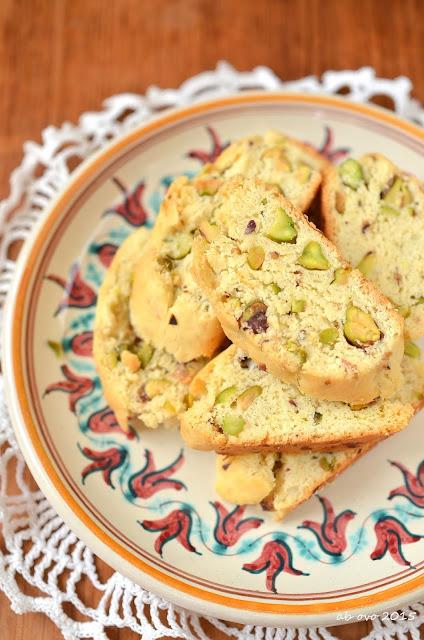 cantucci-salati-ai-pistacchi