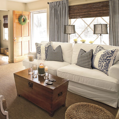 Modern furniture cottage living room decorating ideas 2012 for Cottage style family room