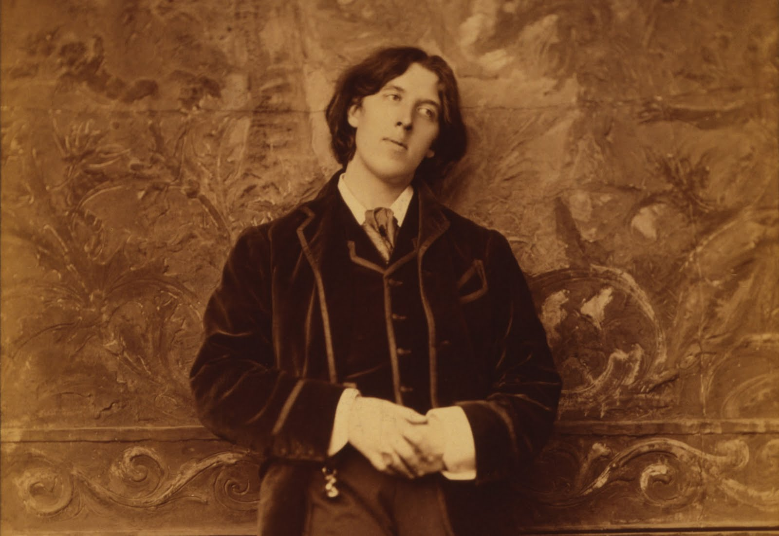 a biography of oscar wilde The life of oscar wilde (1854-1900), with a summary of his best-known comedies, such as the importance of being earnest.