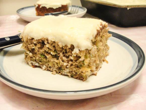 ... Ergo Consume: Pineapple Zucchini Cake with Cream Cheese Frosting