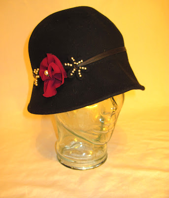 1930s Madman Style Flower and Pearl Embellished Women's Wool Felt Hat