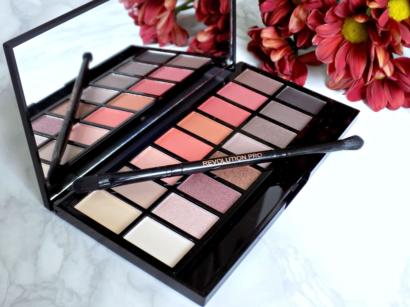 Makeup Revolution 'New-Trals vs Neutrals' palette