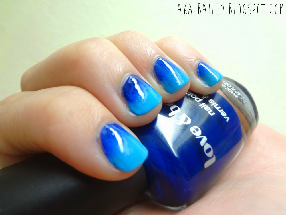 Blue ombre nails with Revlon and Forever21 nail polishes