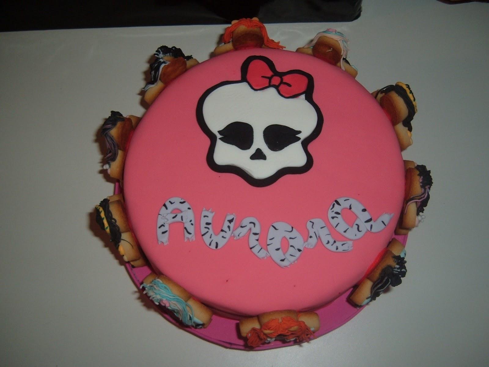 Cumpleaños Monster High: | Tarta Blanca: La repostería hecha arte.
