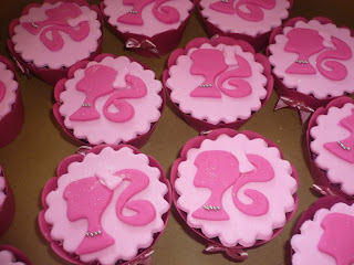 doce cupcake 2d decorado barbie