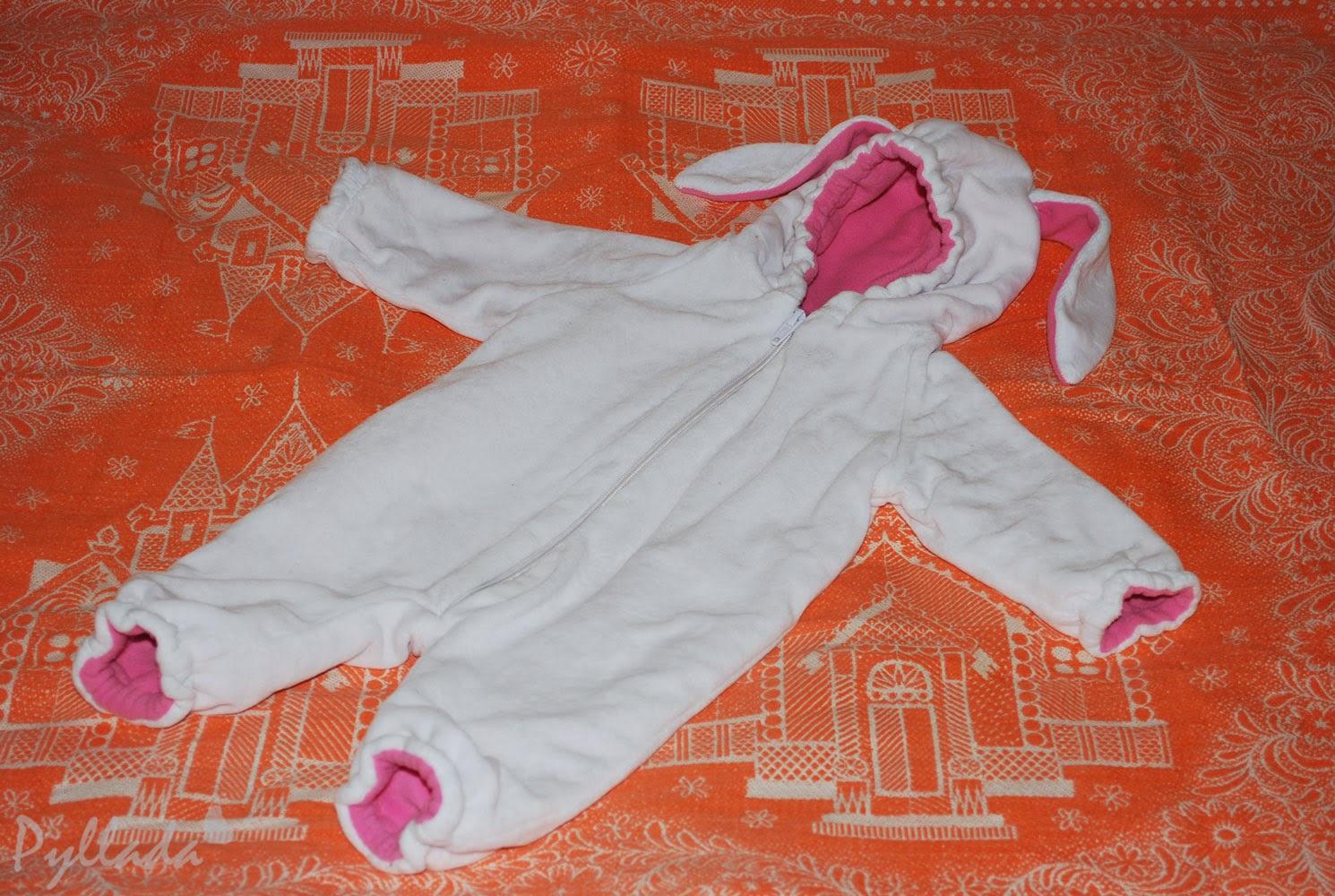 комбинезон для новорожденного из велюра