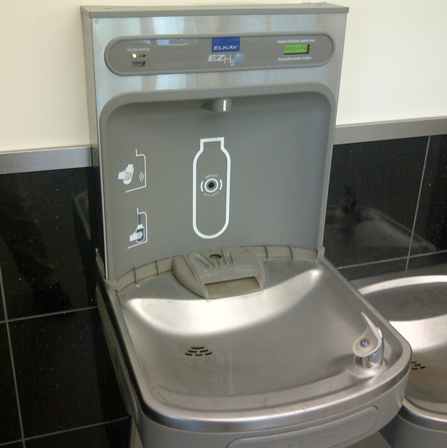 30 Insanely Clever Innovations That Need To Be Everywhere Already - Water fountains with built-in water bottle filling station.
