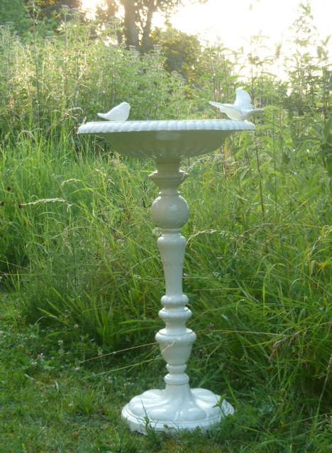 le jardin d 39 adiante le bain des oiseaux. Black Bedroom Furniture Sets. Home Design Ideas