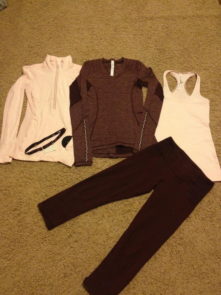 Lululemon Addict: Spotted in Stores: Aphrodite Crop, Pretty Pinkls star