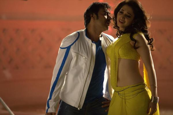 Tamanna Latest Hot Stills From Himmatwala Movie
