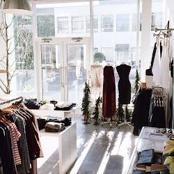 Holiday Shoppe Hours