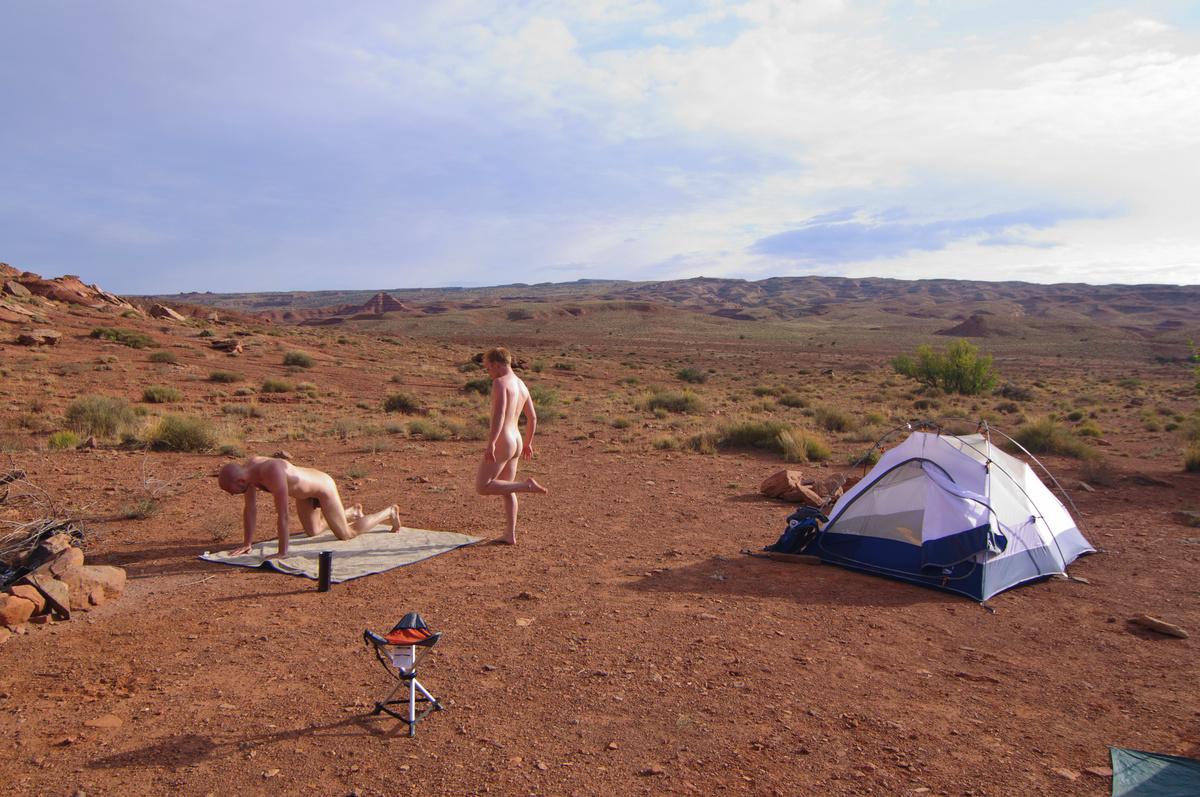 ava mo camping gay