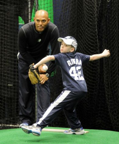 Xm Mlb Chat Mariano Rivera Holds Baseball Clinic In