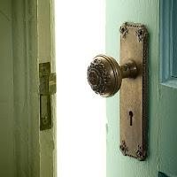 pintu tertutup