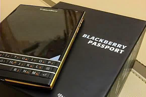 BlackBerry Passport Tampil Mewah & Elegan dengan Warna Emas