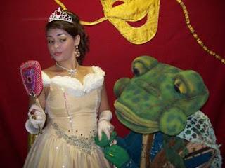 """Peça infantil """"A Princesa e o Sapo"""" no Santa Cruz Shopping"""