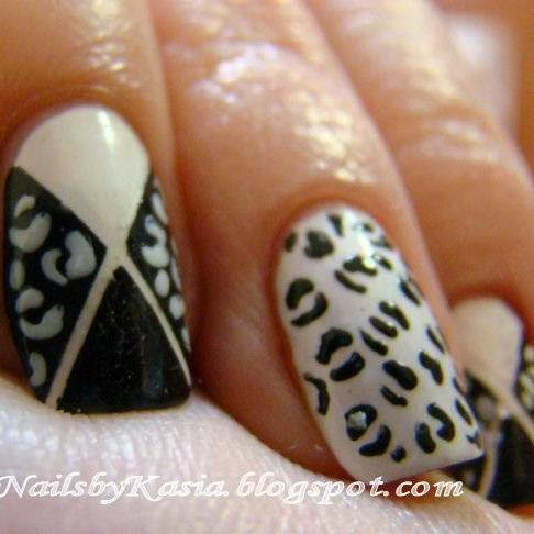 http://prettynailsbykasia.blogspot.com/2014/10/31dc2014-day-7-black-white-nails-czyli.html