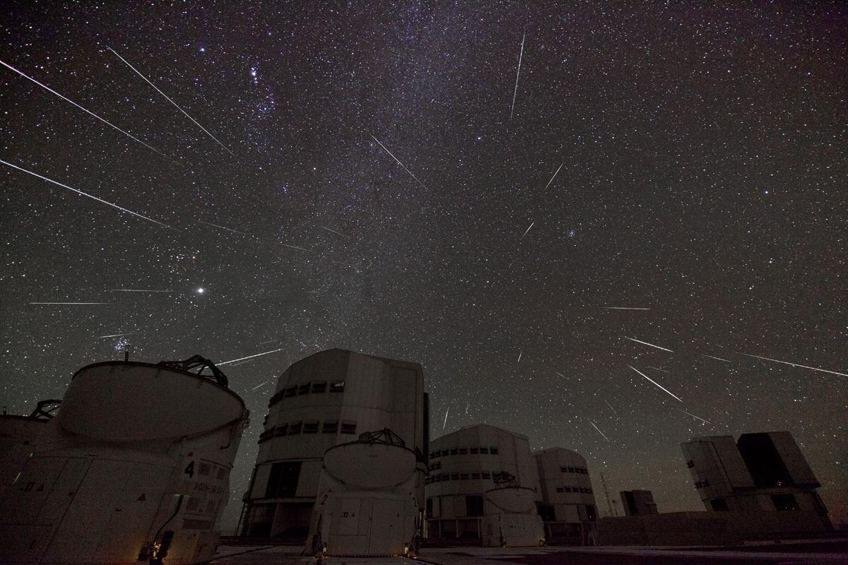 Geminid Meteors over Paranal