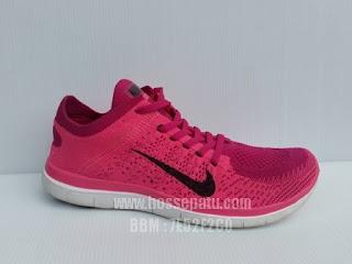 Aneka Sepatu Olahraga Ringan dengan Pilihan Warna Yang sangat Menarik, Sepatu Warna Hitam,