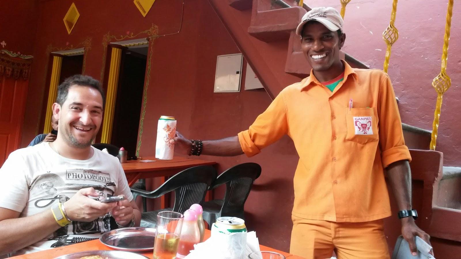 Viaje a India: hotel Ganpati restaurante en Varanasi (Benares)