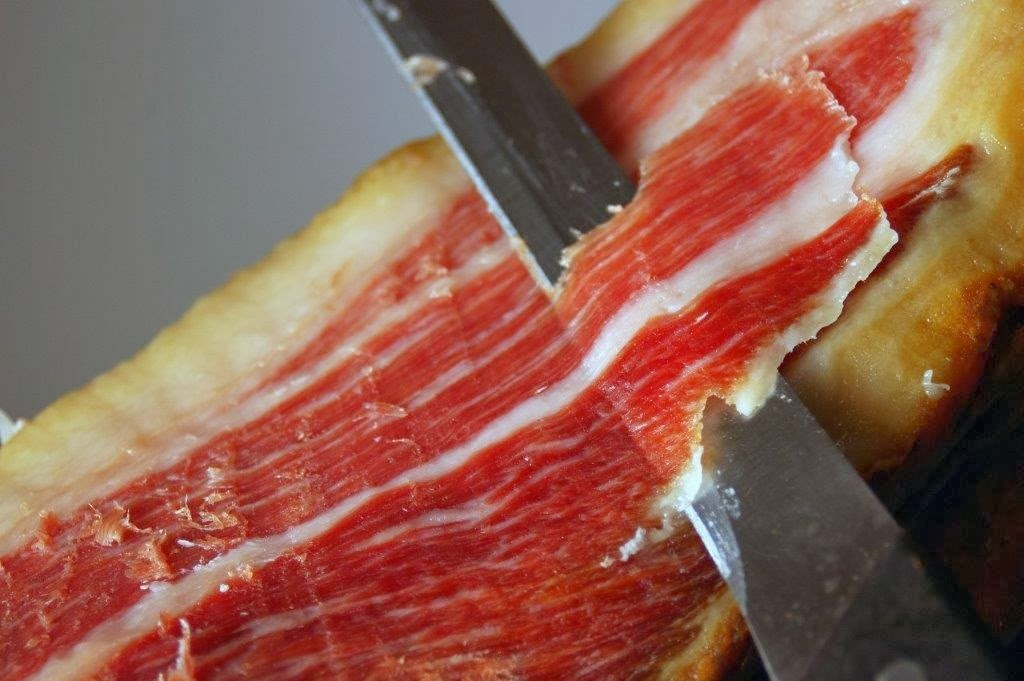 Tipical image in the Iberian Ham, with fat very mixed with the muscle fiber.
