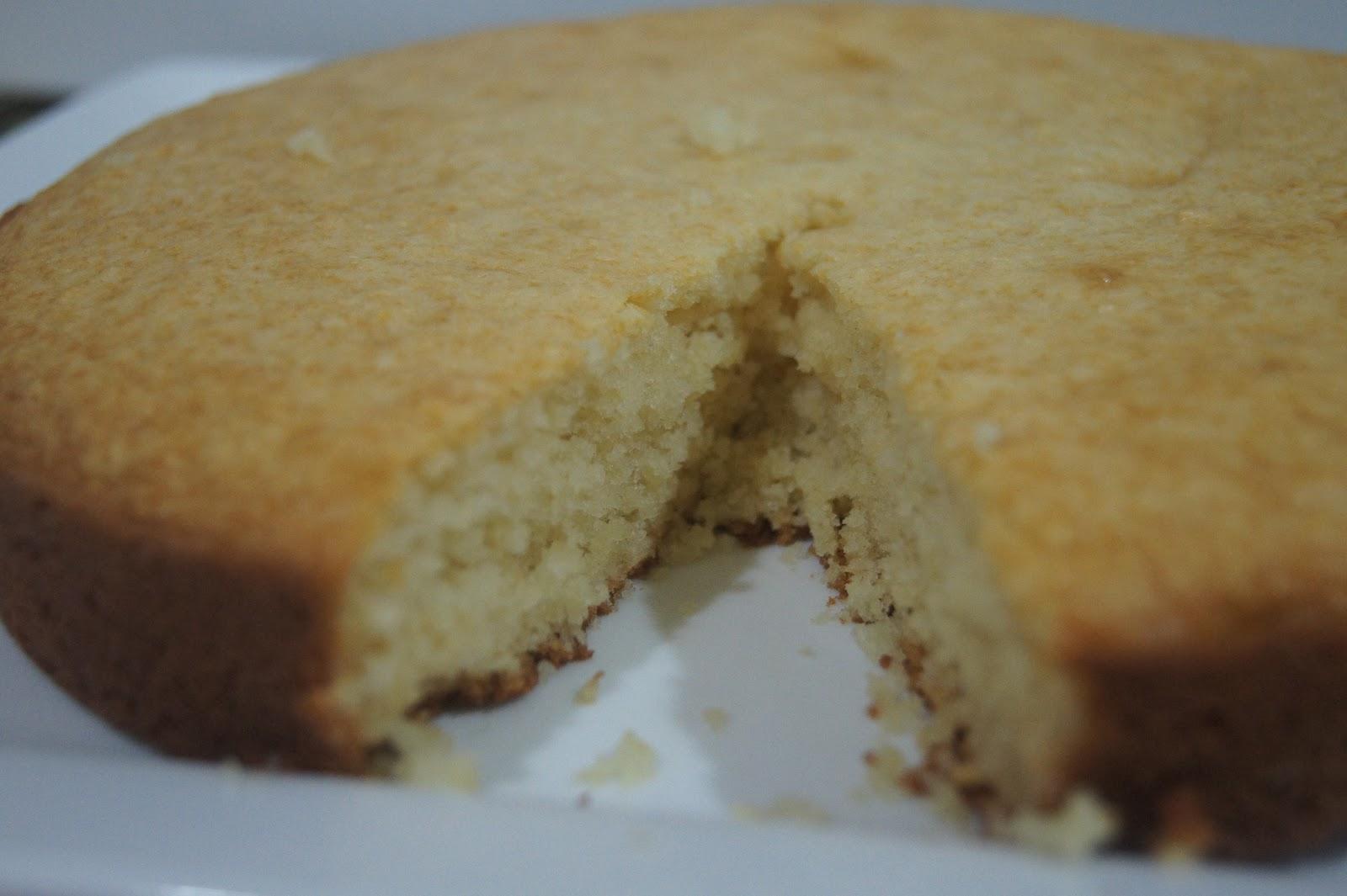 Fluffy Eggless Cake