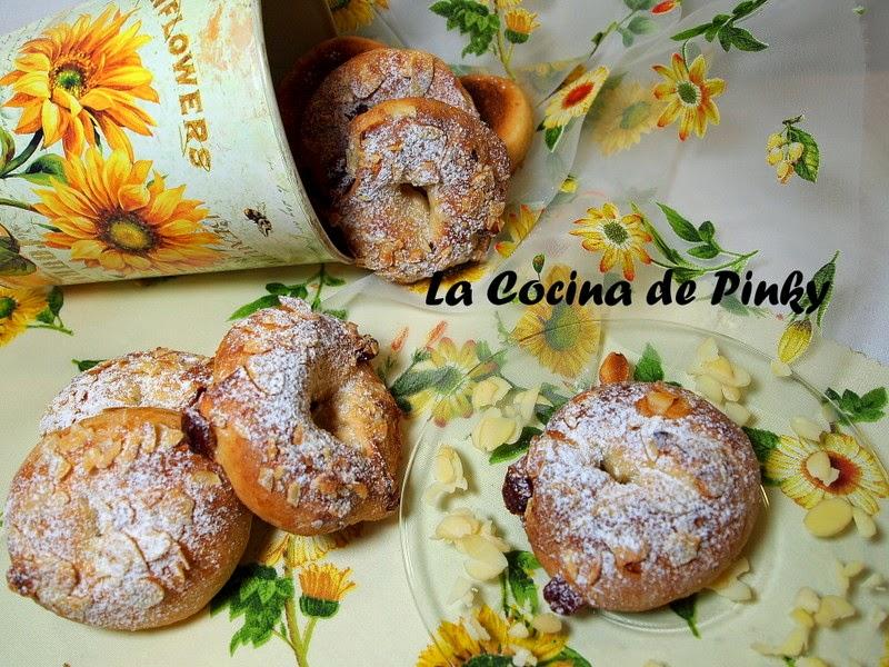 ROSQUILLAS CON ALMENDRAS Y GUINDAS  Rosquillas+con+almendras+y+guindas+1