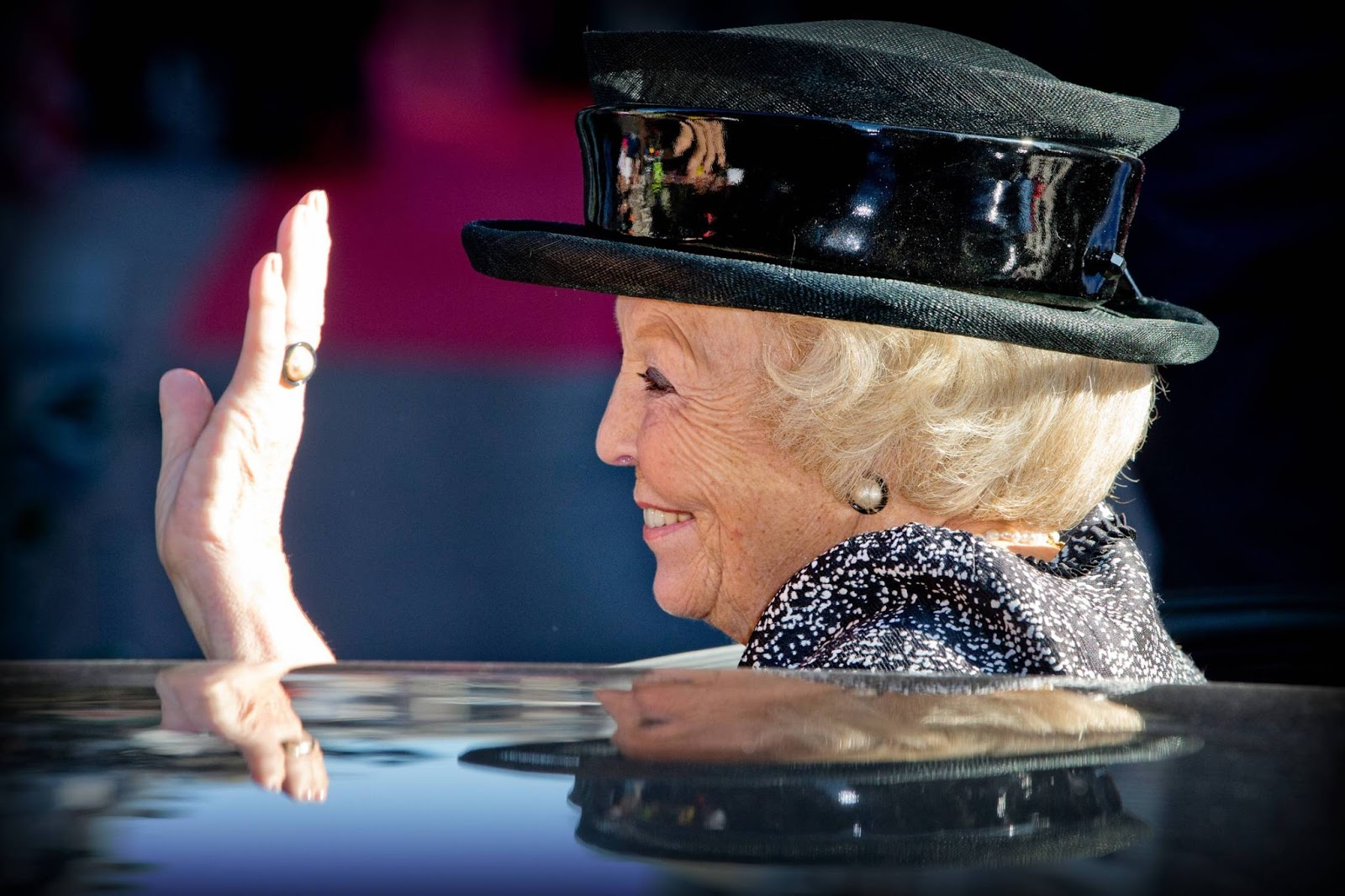 Princess Beatrix of The Netherlands opens the Majoor Bosshardt Burgh in Amsterdam
