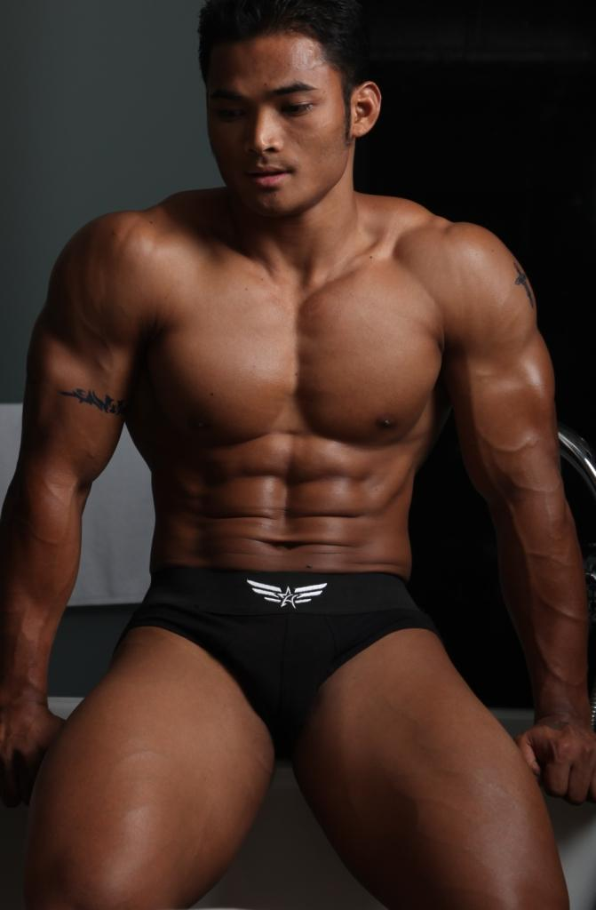 Asian Muscle Guy 70