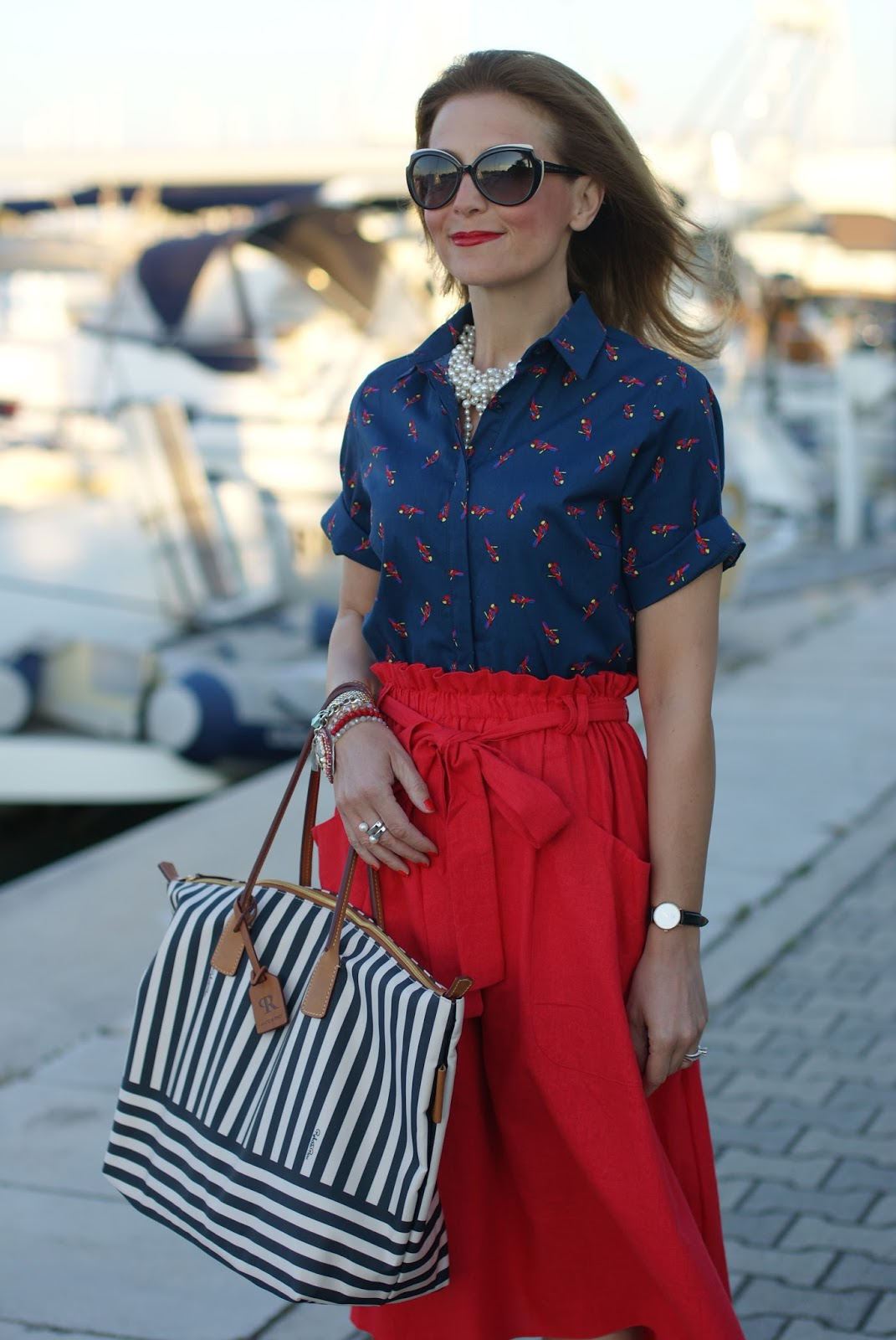 Chic navy look with Roberta Pieri Robertina bag on Fashion and Cookies fashion blog